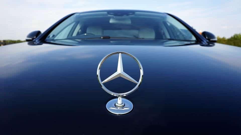 Mercedes Benz Blue Efficiency: Better Diesel Engine Gas