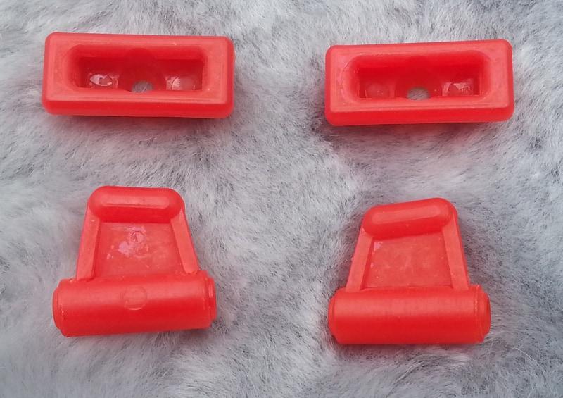 SUNVISOR CLIPS – RED – SET OF 4